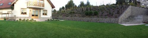 Ogród w Jaworznie - trawnik z rolki