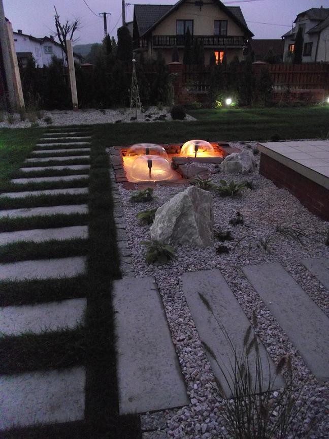 Ogród w Dulowej - nocą